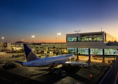 LAX United Airlines Terminals 7 & 8 and T7 Club